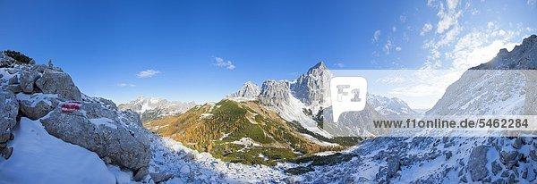 Panoramablick der Alpen im Salzburger Land  Österreich