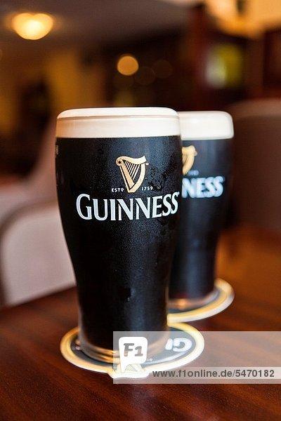 alkohol,Alkoholiker,Bier,Dunkel,Dunkles Bier,Europa