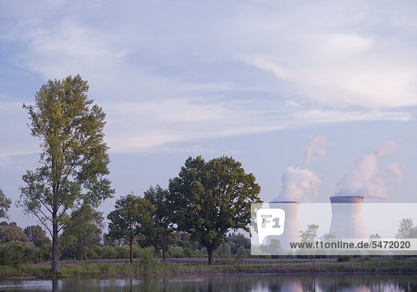 Kühltürme eines Kernkraftwerks