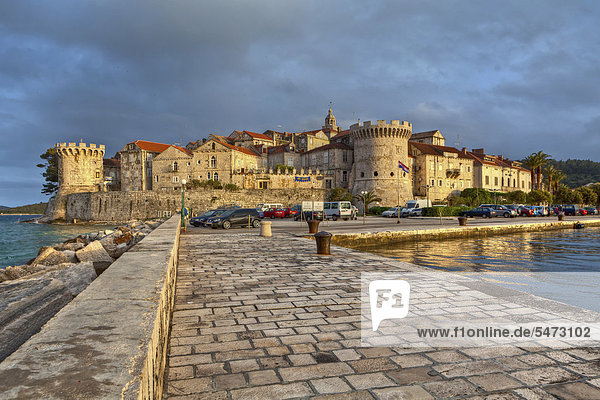 Befestigungsmauern der Stadt Korcula  Korcula  Mitteldalmatien  Dalmatien  Adriaküste  Kroatien  Europa  ÖffentlicherGrund