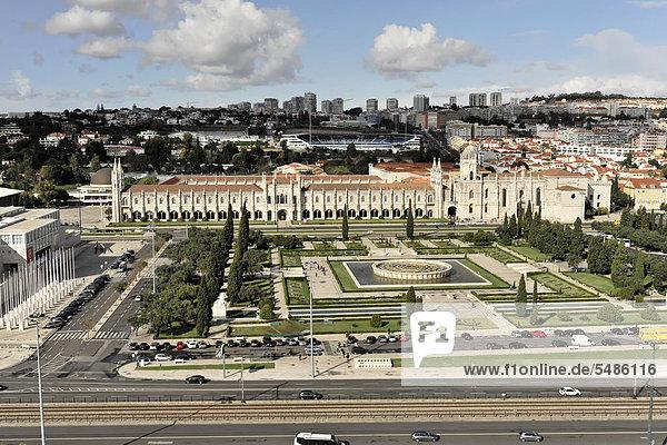 Praca do Imperio und Hieronymus-Kloster  Mosteiro dos Jeronimos  Baubeginn 1501  UNESCO Weltkulturerbe  Spätgotik  Manuelinik  Belem  Lissabon  Portugal  Europa