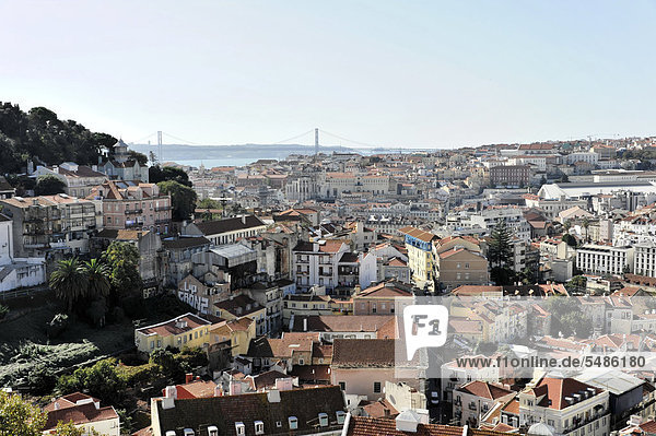 Viewpoint Portas do Sol  overlooking the historic centre of Lisbon and the Rio Tejo  Tagus River  Lisbon  Lisboa  Portugal  Europe