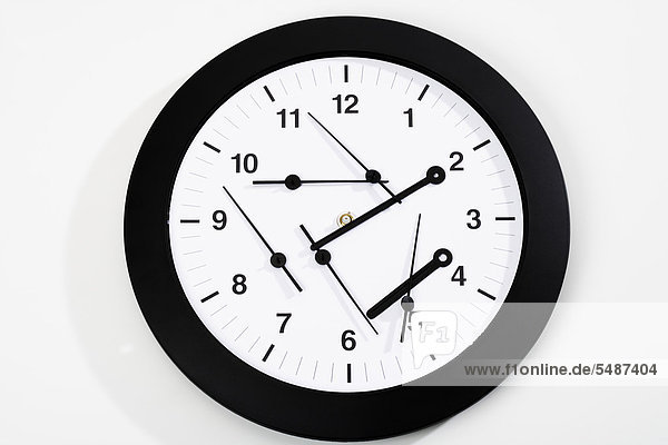Uhr mit vielen Zeigern