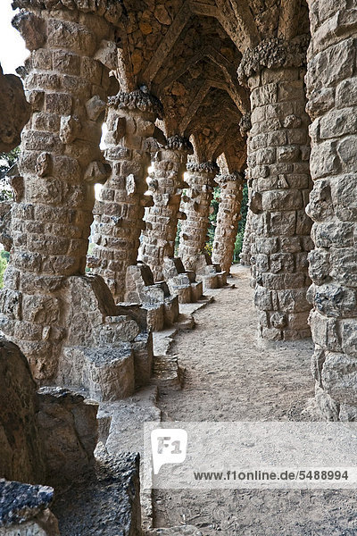 Gaudi-Architektur  Parc Güell  UNESCO-Weltkulturerbe  Barcelona  Katalonien  Spanien  Europa