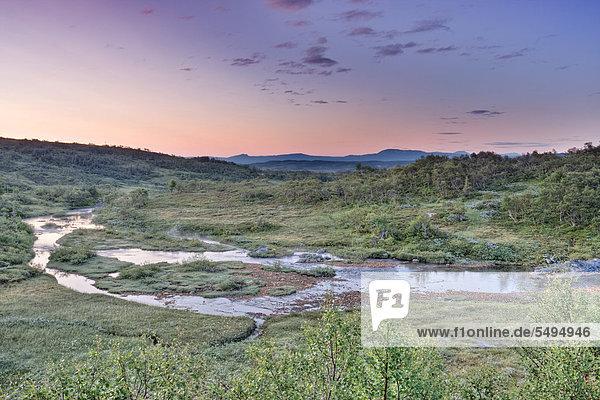 Landschaft  Litlklepptjørna oder Litlklepptjoerna See  Skarvan und Roltdalen Nationalpark  Skarvan og Roltdalen  Provinz Nord-Trøndelag  Norwegen  Skandinavien  Europa