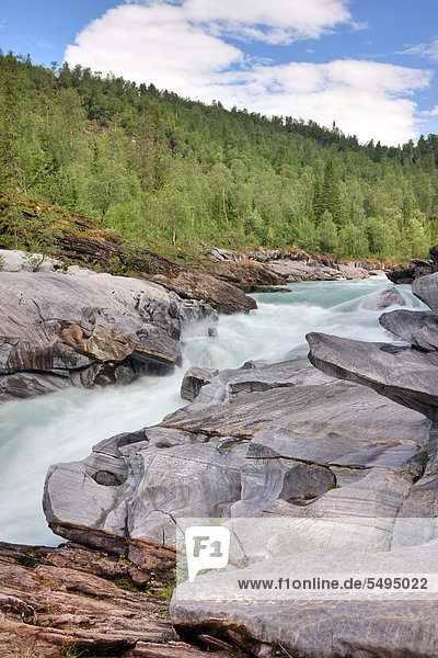 Marmorslottet  das Marmorschloss am Glomåga Fluss  Nordland  Norwegen  Skandinavien  Europa