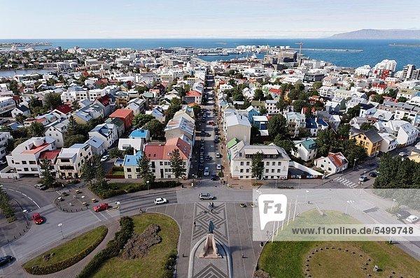 über  Großstadt  hoch  oben  Kirche  Ansicht  Hallgrímskirkja  Island
