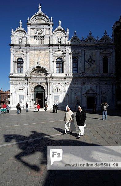 schattig  Monument  Reiter  Nonne  Italien  Venedig
