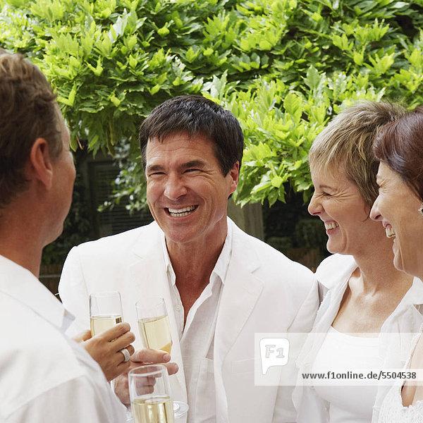 Fest festlich reifer Erwachsene reife Erwachsene 2 Champagner