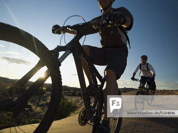 Mensch Menschen Fahrrad Rad Riding Mountain National Park