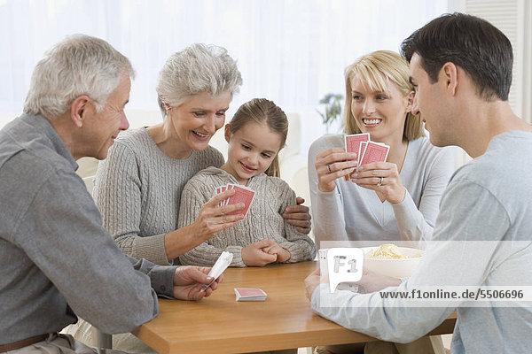 Multi-Generationenunterschiedsbedingte Familie Spielkarten