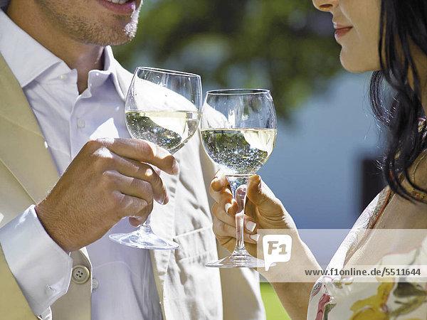 Paar trinken Wein