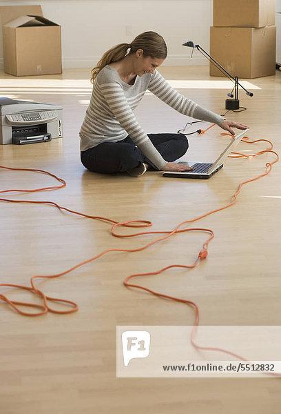 Arbeiten in neuen Büro geschäftsfrau