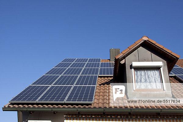 Dach Wohnhaus Sonnenenergie Photovoltaik