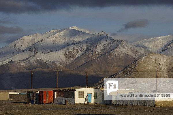 Alichur on the Pamir Highway M41  Pamir  Tajikistan  Central Asia  Asia