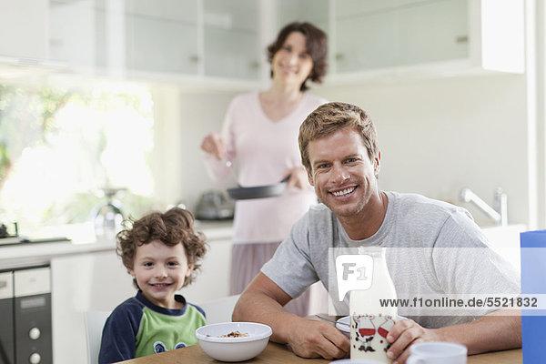 Küche  essen  essend  isst  Frühstück
