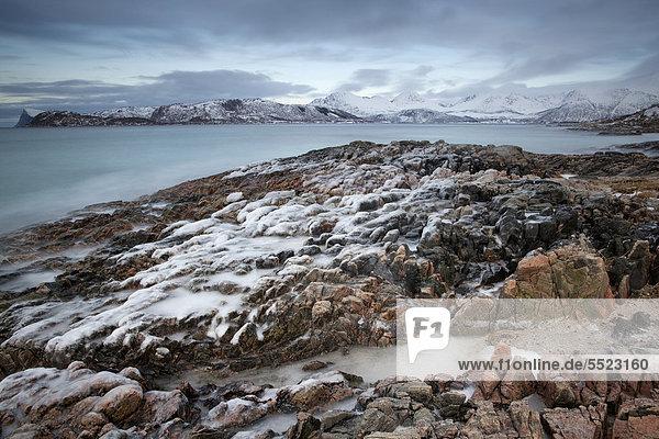 Nordfjord  Troms¯ oder Tromsö  Norwegen  Europa