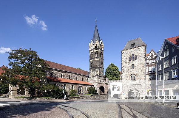 Nikolaikirche church  Nikolaitor  a medieval city gate  Karlsplatz square  Eisenach  Thuringia  Germany  Europe  PublicGround