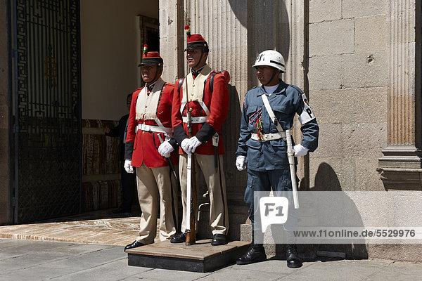 Präsidentengarde vor dem Präsidentenpalast  La Paz  Bolivien