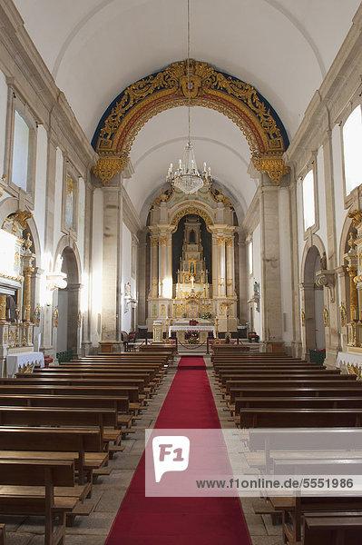 Mittelschiff  Nossa Senhora da Peneda Wallfahrtskirche  Nationalpark Peneda Geres  Provinz Minho  Portugal  Europa