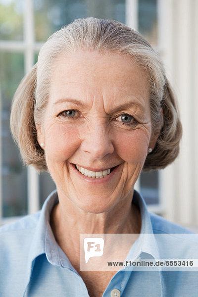 Portrait einer alten Frau  fully_released