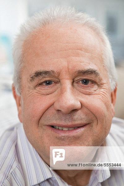 Portrait eines alten Mannes  fully_released