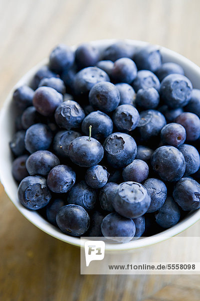 Close up of bowl of blueberries