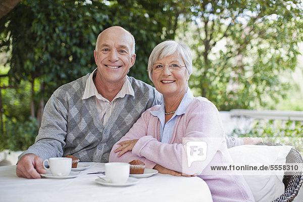 Zusammenhalt  Kaffee  alt