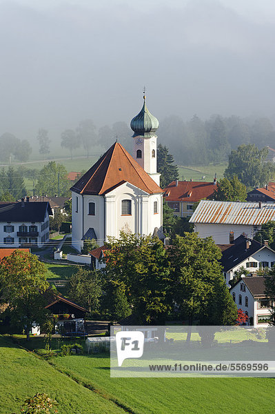 Pfarrkirche St. Clemens  Eschenlohe  Oberbayern  Bayern  Deutschland  Europa