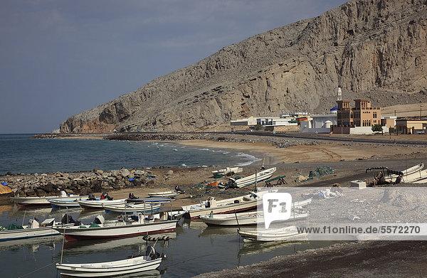 Hafen von Bukha  Bucha  in der omanischen Enklave Musandam  Oman  Arabische Halbinsel  Naher Osten