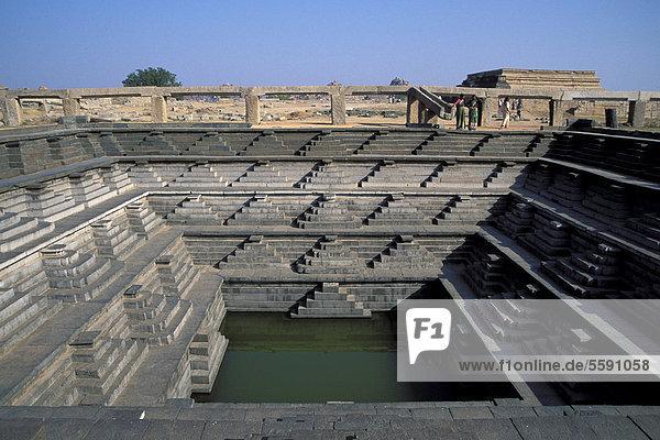 Royal bath in the Durbar Enclosure  ruined city of Vijayanagar  Hampi  Karnataka  South India  India  Asia
