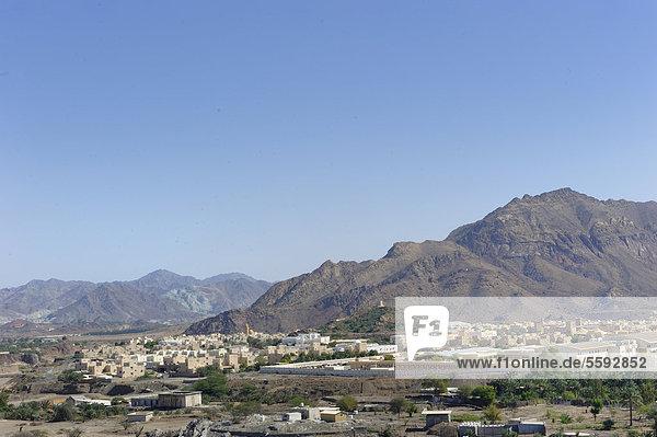 Oase und Enklave Hatta  hinten das Hadschar-Gebirge  Vereinigte Arabische Emirate  Arabische Halbinsel  Naher Osten