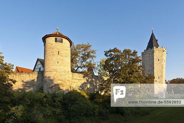 Historische Wehranlage  Wehrgang  Stadtmauer  Mühlhausen  Thüringen  Deutschland  Europa