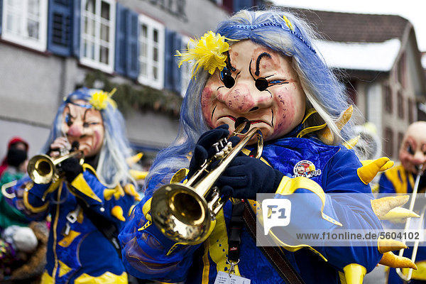 Guggenmusik beim 35. Motteri-Umzug in Malters  Luzern  Schweiz  Europa