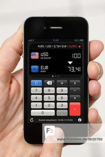 Iphone  Smartphone  App auf dem Display  Währungsumrechner