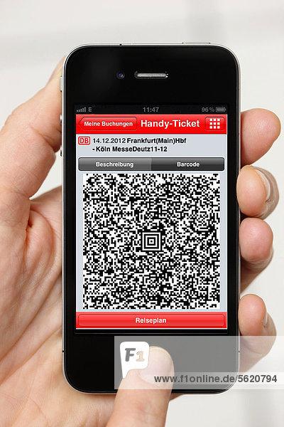 Iphone  Smartphone  App auf dem Display  Reiseauskunft  Fahrkarte als QR-Code  Handy-Ticket der Deutschen Bahn