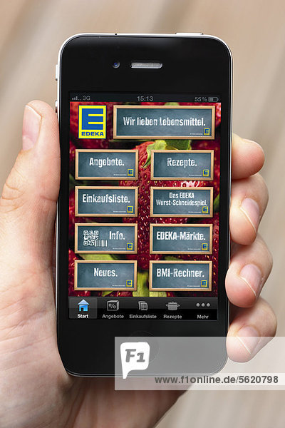 Iphone  Smartphone  EDEKA App auf dem Display  Informationen über Lebensmittelangebote