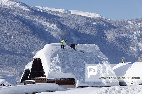 Dach Europa Mann Österreich Salzkammergut Schnee