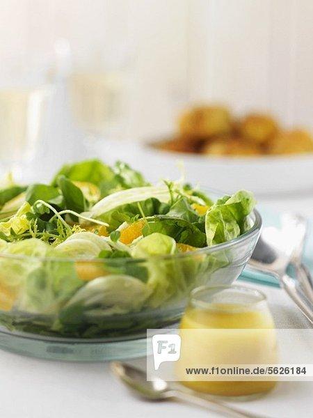 Blattsalat mit Orangen und Fenchel