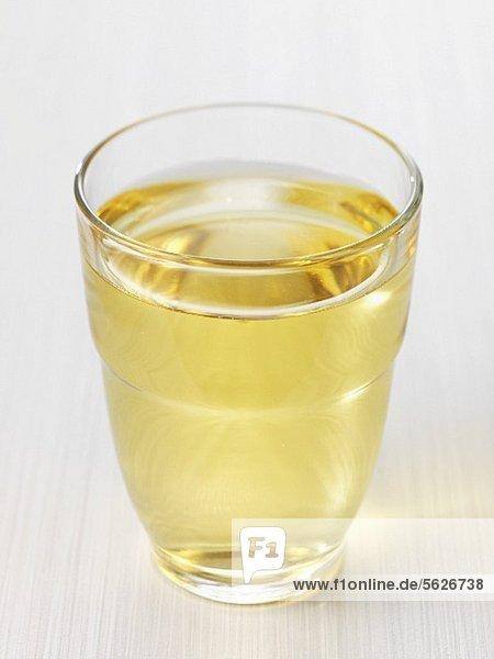 Ein Glas Apfelsaft