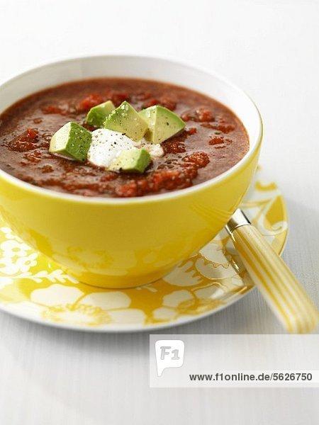 Gazpacho mit Avocado