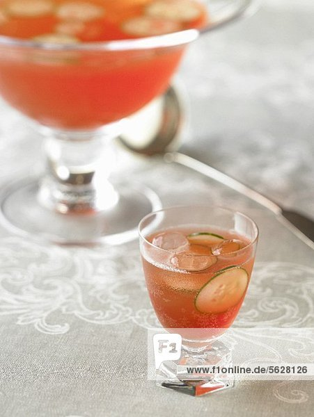 Venetian Punch Royale: Bowle mit Aperol  Gin & Prosecco