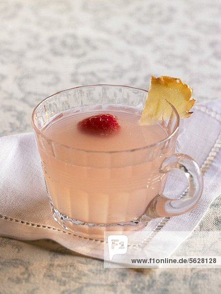 Pink Lemonade Punch im Glas