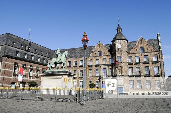 Jan Wellem Denkmal  altes Rathaus  Düsseldorf  Nordrhein-Westfalen  Deutschland  Europa