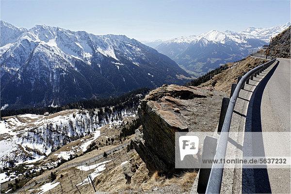 Passstraße vom Jaufenpass nach Sankt Leonhard  Südtirol  Italien  Europa