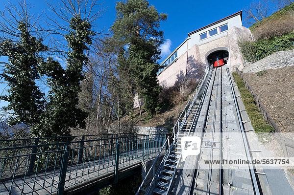 Europa Hügel grasen Seilbahn Österreich Graz