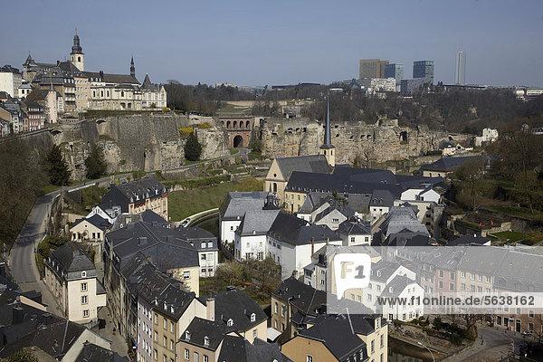 Luxemburg Hauptstadt Felsbrocken Europa europäisch Luxemburg Viertel Menge