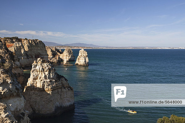 Felsen an der Algarve bei Lagos  Atlantikküste  Portugal  Europa