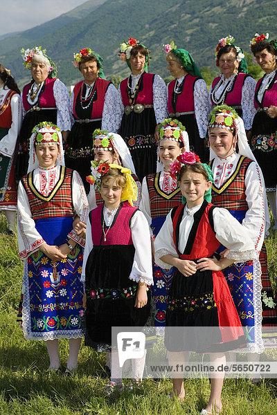 Trachtengruppe  Rosenfest  Karlovo  Bulgarien  Europa