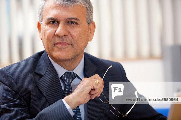 Porträt eines leitenden Geschäftsmannes